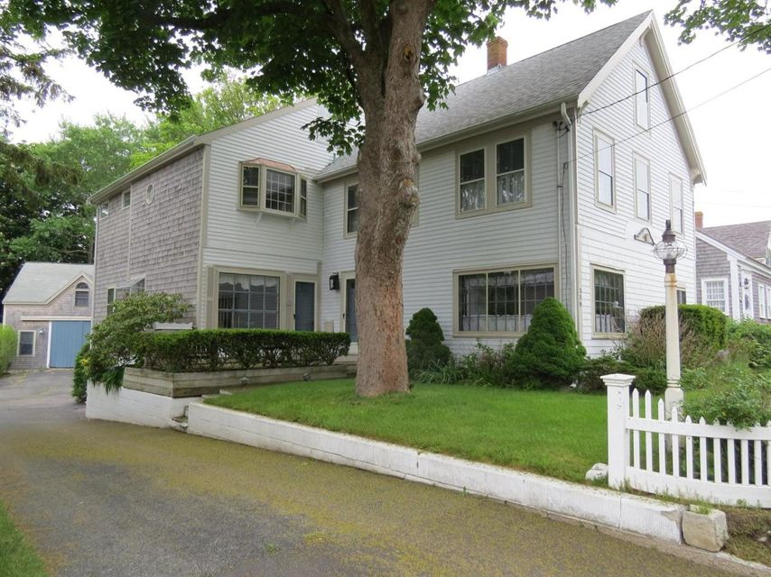 Chatham Real Estate - Cape Cod Antique , 229 Main Street, Chatham, MA   Listed at $1,250,000
