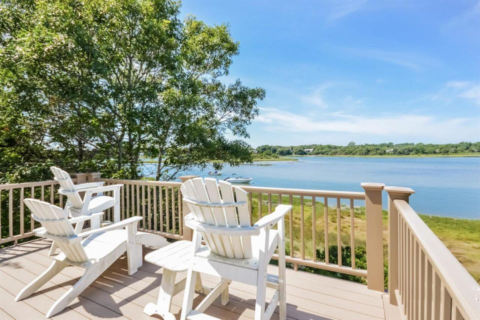 Additional photo for property listing at $1,695,000.00 - 27 Ruggles Road in Orleans 27 Ruggles Road Orleans, Massachusetts,02653 Stati Uniti