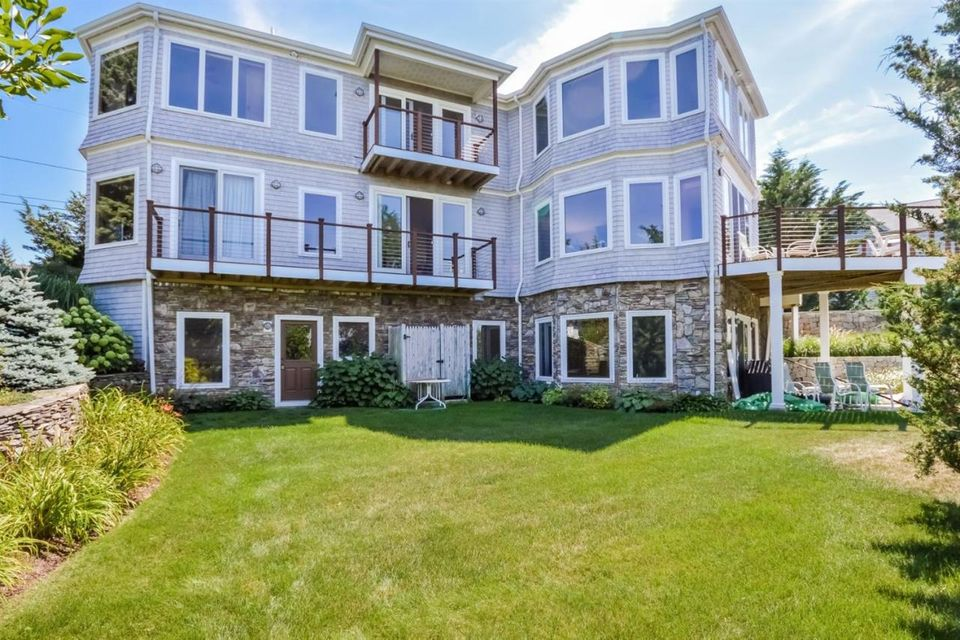 Otro por un Venta en $1,695,000.00 - 27 Ruggles Road in Orleans 27 Ruggles Road Orleans, Massachusetts,02653 Estados Unidos