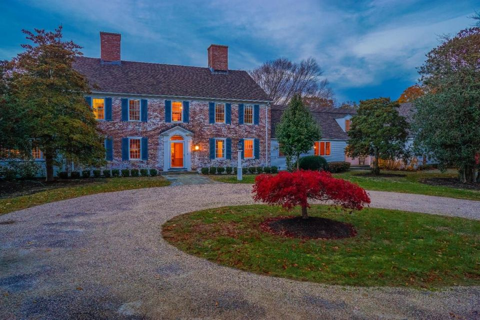 8 Arnold Gifford Road, West Falmouth, MA 02574