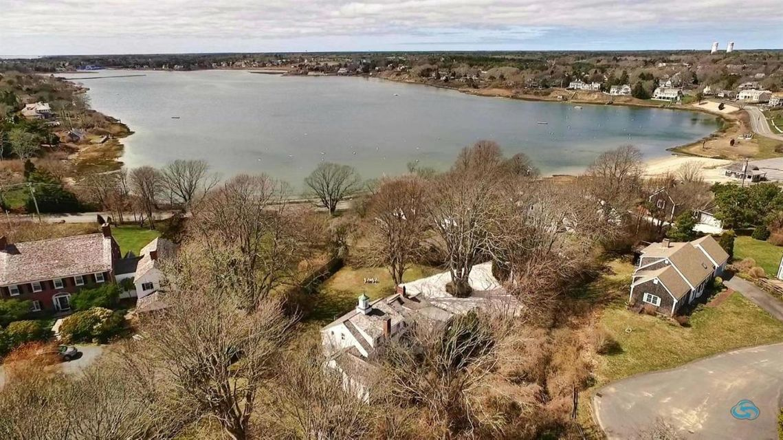 Additional photo for property listing at $1,495,000.00 - 125 Stage Harbor Road in Chatham 125 Stage Harbor Road Chatham, Массачусетс,02633 Соединенные Штаты