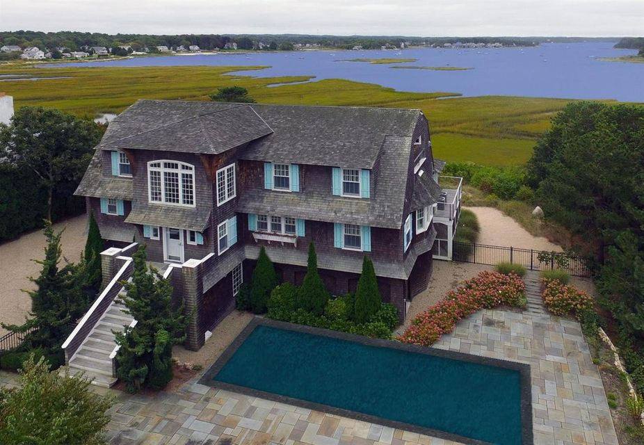 165 Wings Neck Road, Pocasset, MA 02559