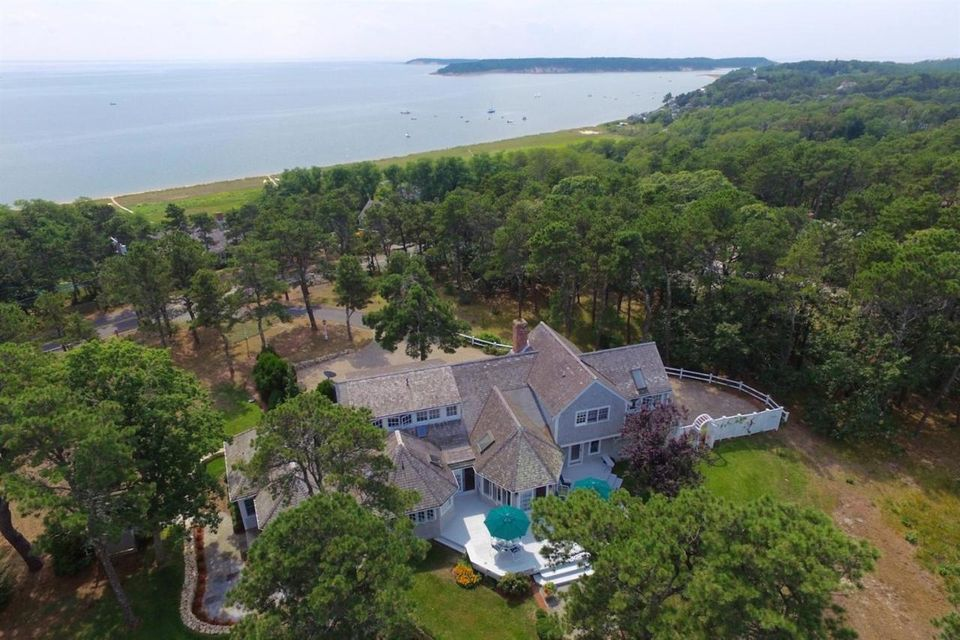 450 Chequessett Neck Road, Wellfleet, MA 02667