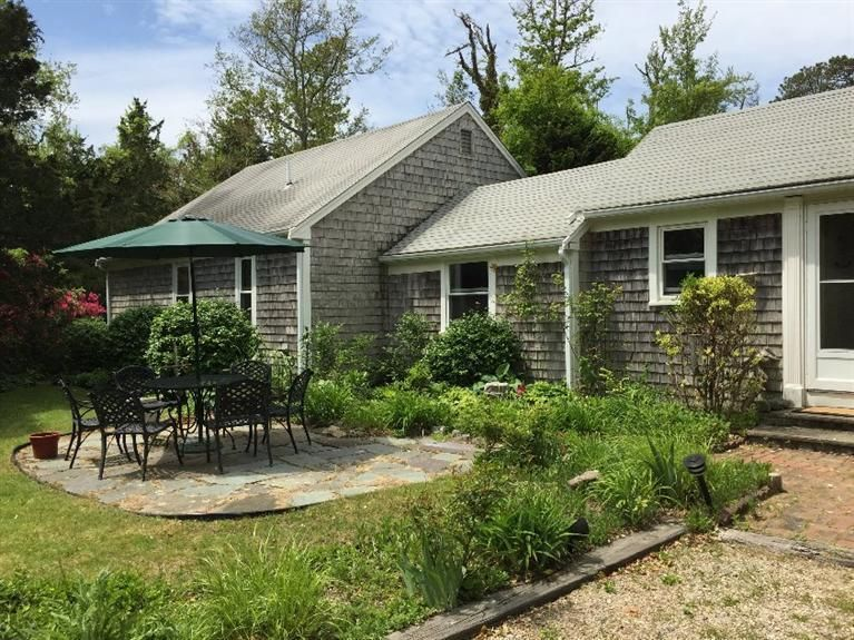 Dennis Real Estate - Cape Cod Antique , 26 Whig Street, Dennis, MA   Listed at $450,000