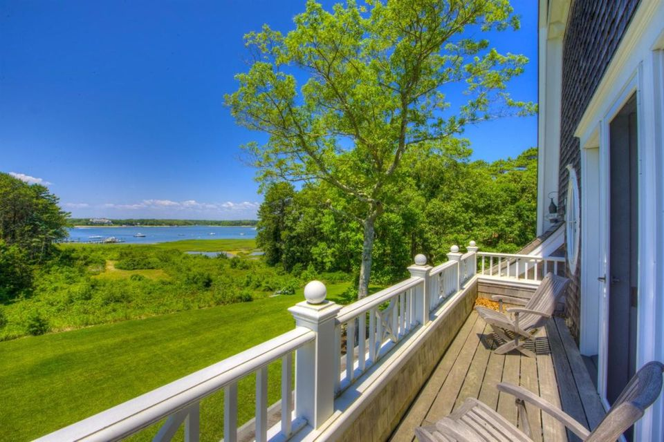 75 Bayberry Way, Osterville, MA 02655