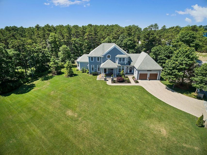 89 Old Hyannis Road, Yarmouth Port, MA 02675