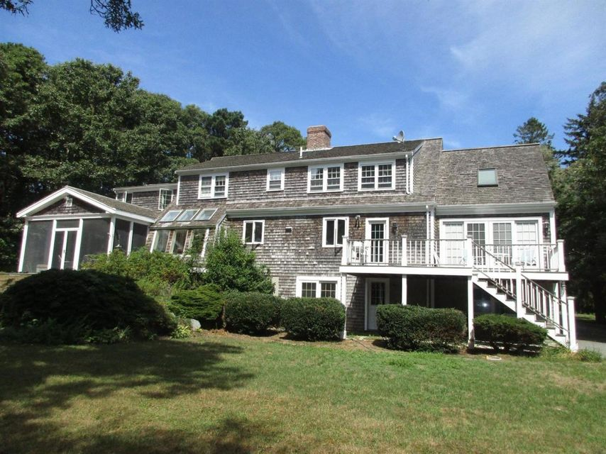 17 Oliver Snow Road, Harwich Port, MA 02646