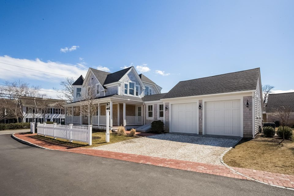 Additional photo for property listing at $2,450,000.00 - 36 Cross Street in Chatham 36 Cross Street Chatham, Massachusetts,02633 Hoa Kỳ
