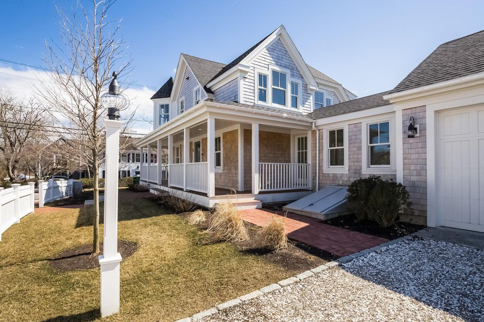 Additional photo for property listing at $2,450,000.00 - 36 Cross Street in Chatham 36 Cross Street Chatham, Massachusetts,02633 Verenigde Staten