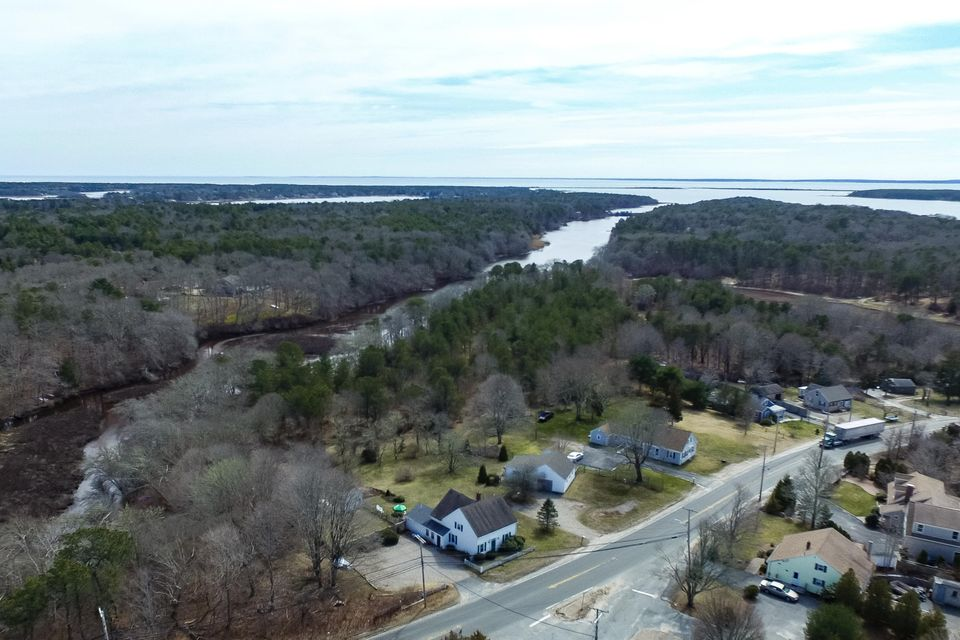 679 Waquoit Highway, East Falmouth, MA 02536