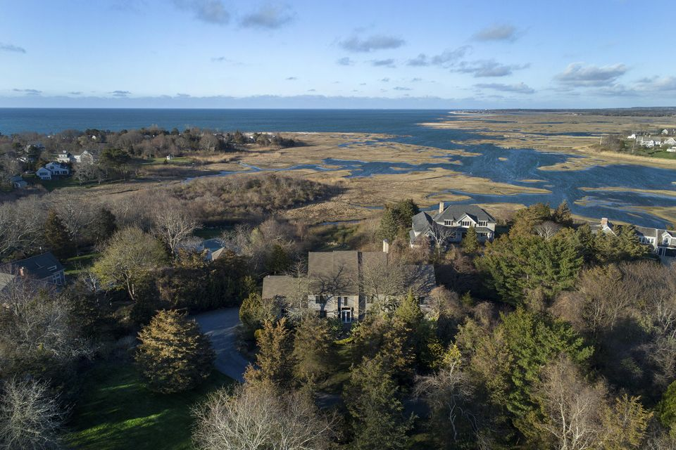 29 Otter Lane, Cummaquid, MA 02637