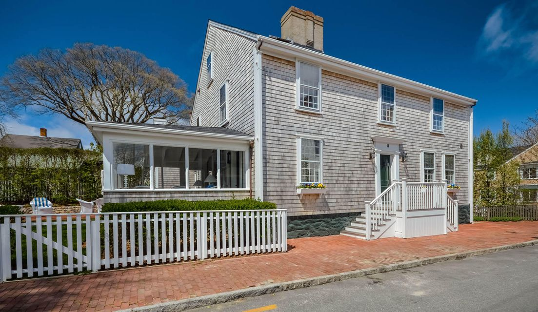 11 hussey street nantucket ma massachusetts 02554 town for Houses for sale on nantucket