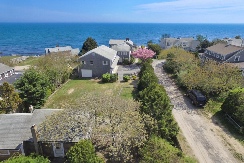 Additional photo for property listing at $1,995,000.00 - 16 Highbank Circle in Dennis Port 16 Highbank Circle Dennis, Massachusetts,02639 Estados Unidos