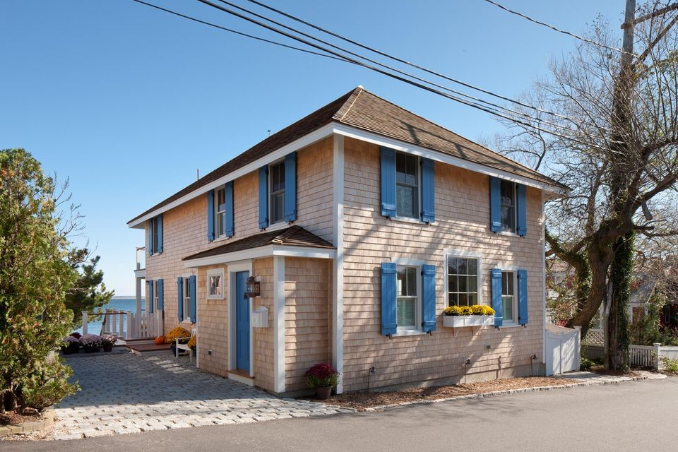 19 Commercial Street, Provincetown, MA 02657