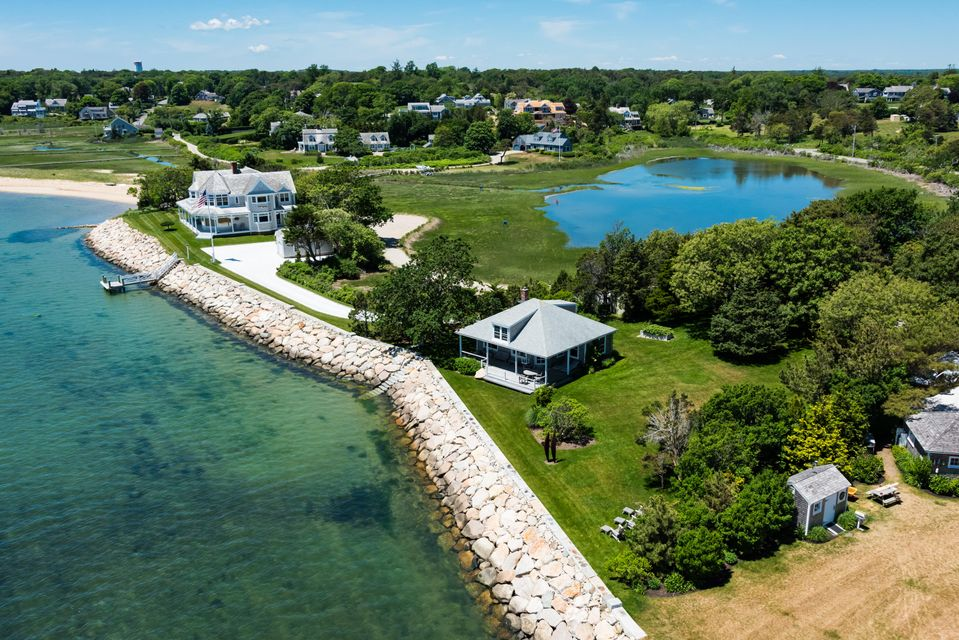 Additional photo for property listing at $2,995,000.00 - 24 Salt Pond Road in Chatham 24 Salt Pond Road Chatham, Massachusetts,02633 États-Unis
