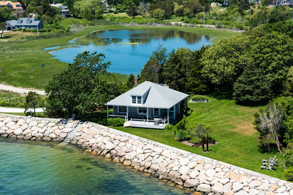 Autre pour l Vente à $2,995,000.00 - 24 Salt Pond Road in Chatham 24 Salt Pond Road Chatham, Massachusetts,02633 États-Unis