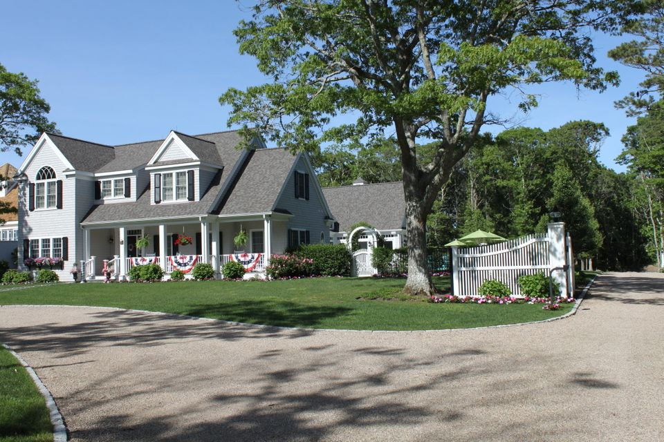 70 West Street, Osterville, MA 02655