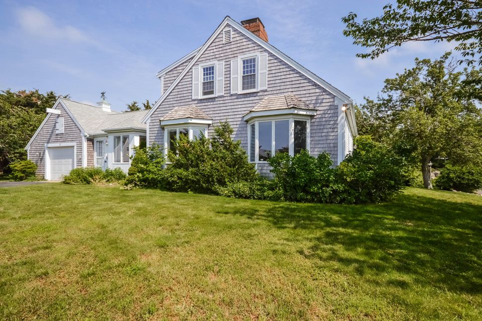 11 Mooncusser Lane, East Dennis, MA 02641