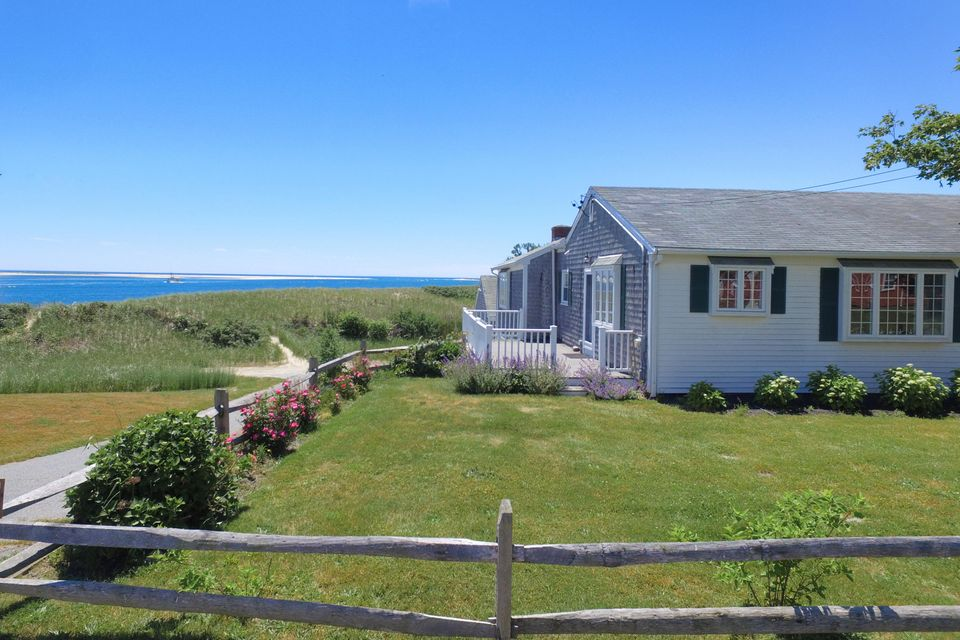 Additional photo for property listing at $2,750,000.00 - 34 Holway Street in Chatham 34 Holway Street Chatham, Massachusetts,02633 Amerika Birleşik Devletleri