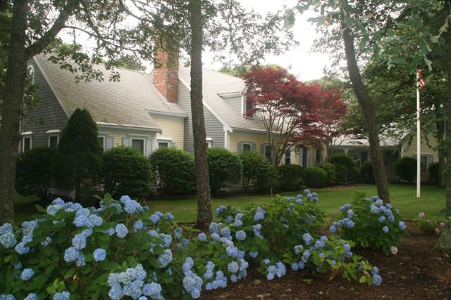 Additional photo for property listing at $1,299,000.00 - 65 Harbor Hill in Chatham  Chatham, Massachusetts,02633 États-Unis