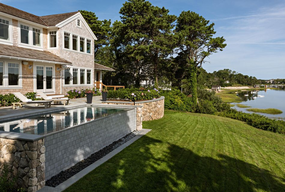 Additional photo for property listing at $5,695,000.00 - 113 Seapine Road in Chatham 113 Seapine Road Chatham, Massachusetts,02633 Vereinigte Staaten