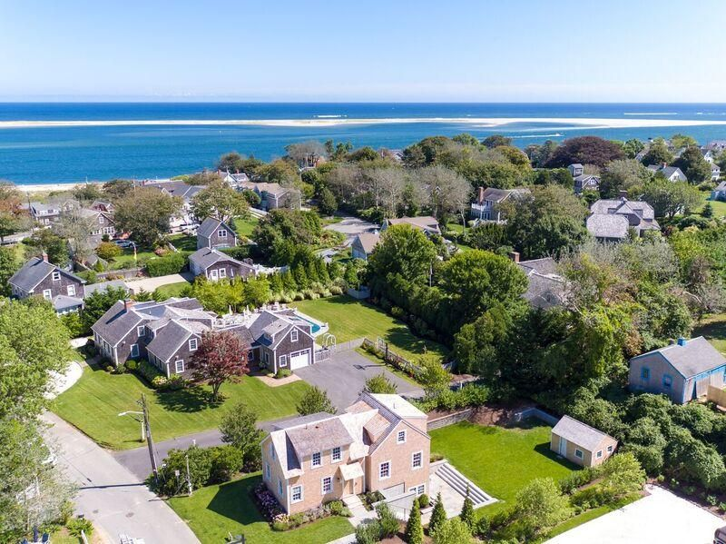 Additional photo for property listing at $1,995,000.00 - 43 Hallet Lane in Chatham  Chatham, Massachusetts,02633 Estados Unidos