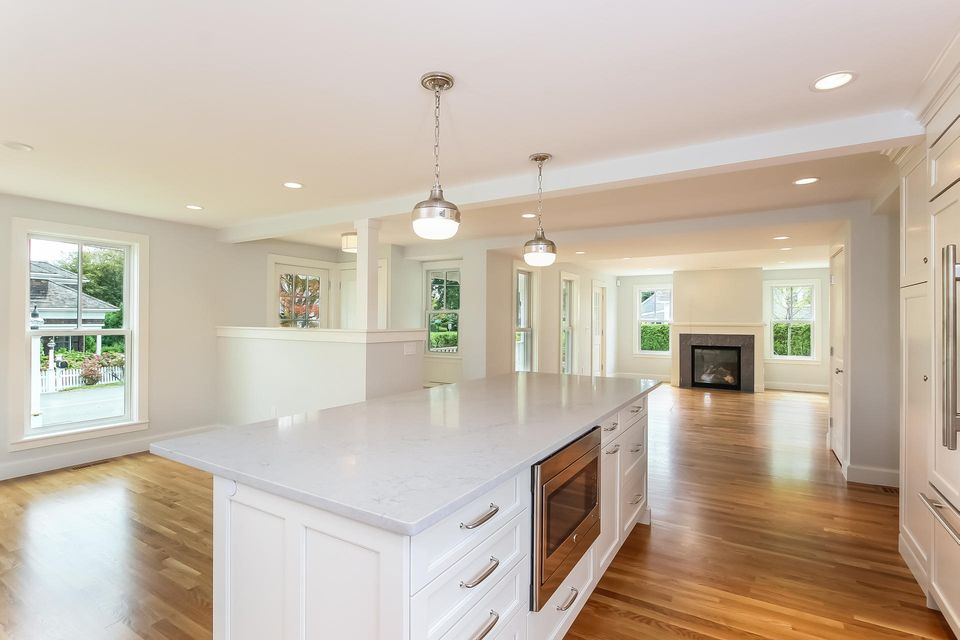Additional photo for property listing at $2,450,000.00 - 44 Cross Street in Chatham 44 Cross Street Chatham, Massachusetts,02633 Verenigde Staten