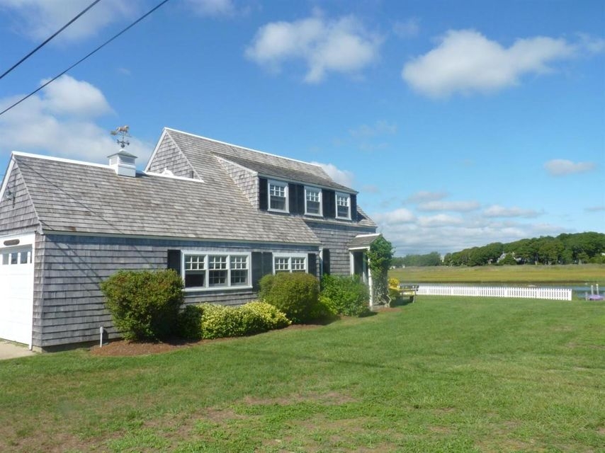 other past cape three minute in cod cottage rental walk homes vacation id rentals hyannis ma home