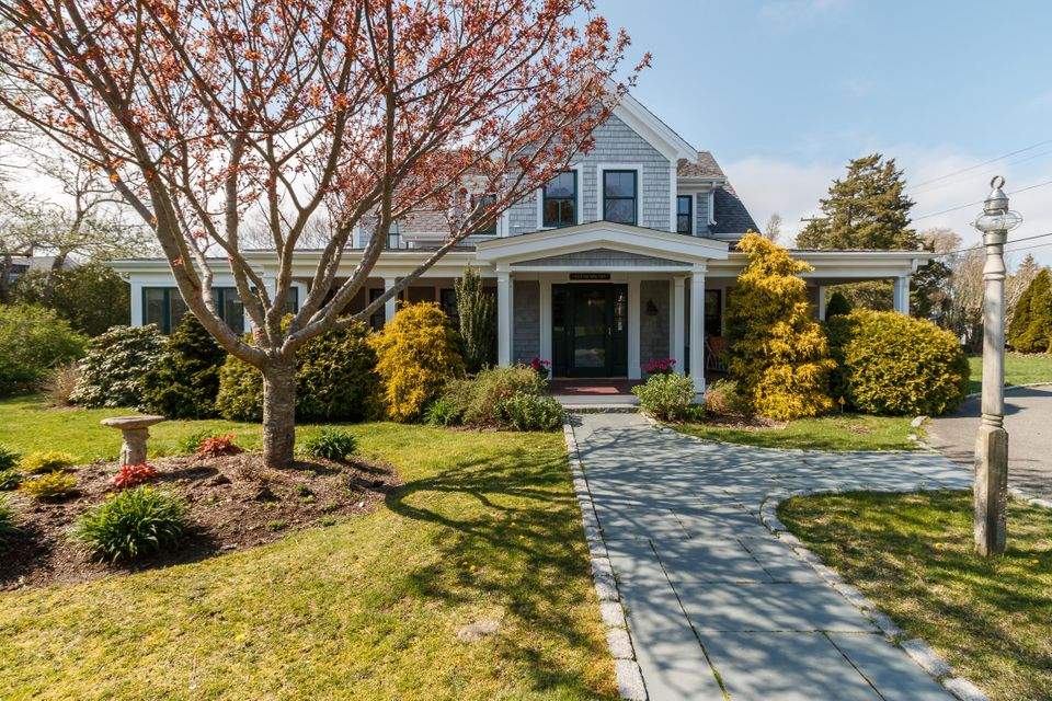 554-scudder-avenue-hyannis-port