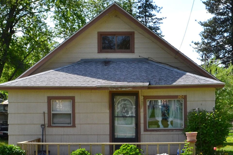 304 Third St, Dover, ID 83825