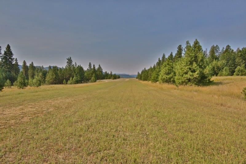 Excellent Sunset Shores lot! Private beach, marina & airstrip. Lovely views at a great price!