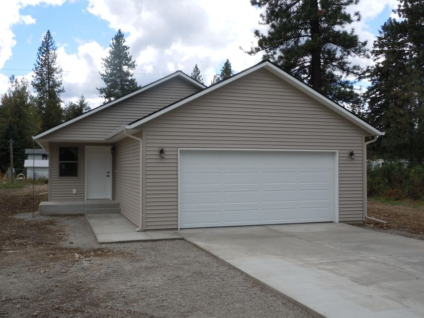 32588 N 5th Ave, Spirit Lake, ID 83869