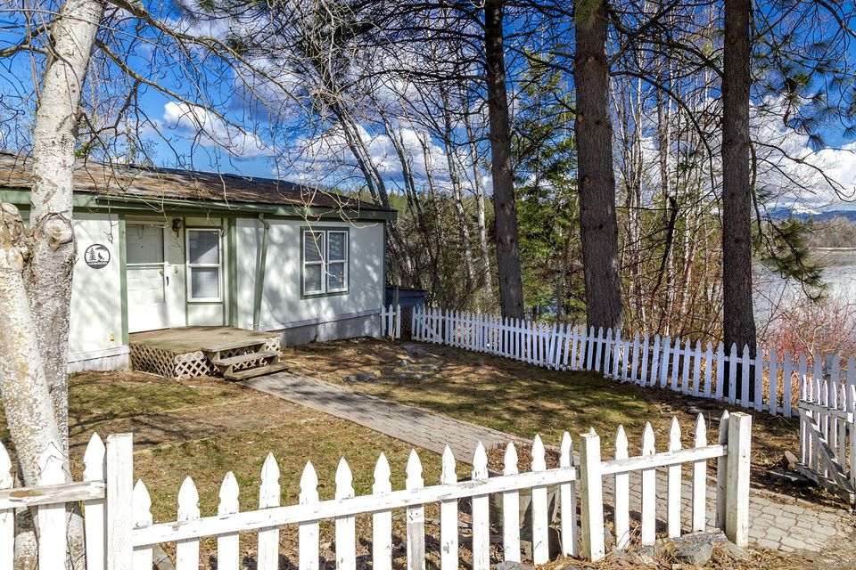 1161 Riverside Rd, Priest River, ID 83856