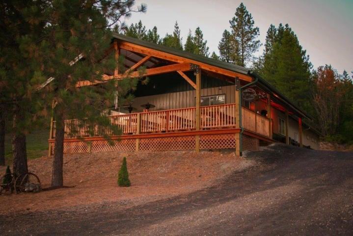 Single Family Home for Sale at 707 McCauley Road 707 McCauley Road Kingston, Idaho 83839 United States