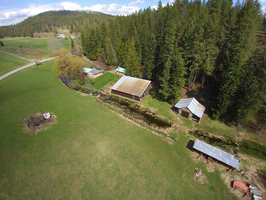 Single Family Home for Sale at 496 Old Highway Road 496 Old Highway Road Sandpoint, Idaho 83864 United States