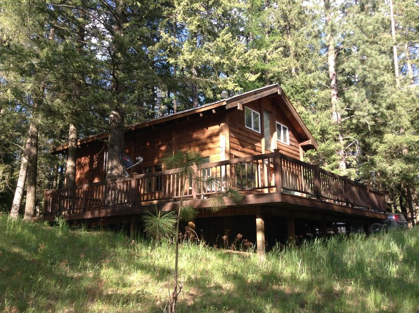 Single Family Home for Sale at 450 Morgan Hill 450 Morgan Hill Cocolalla, Idaho 83813 United States