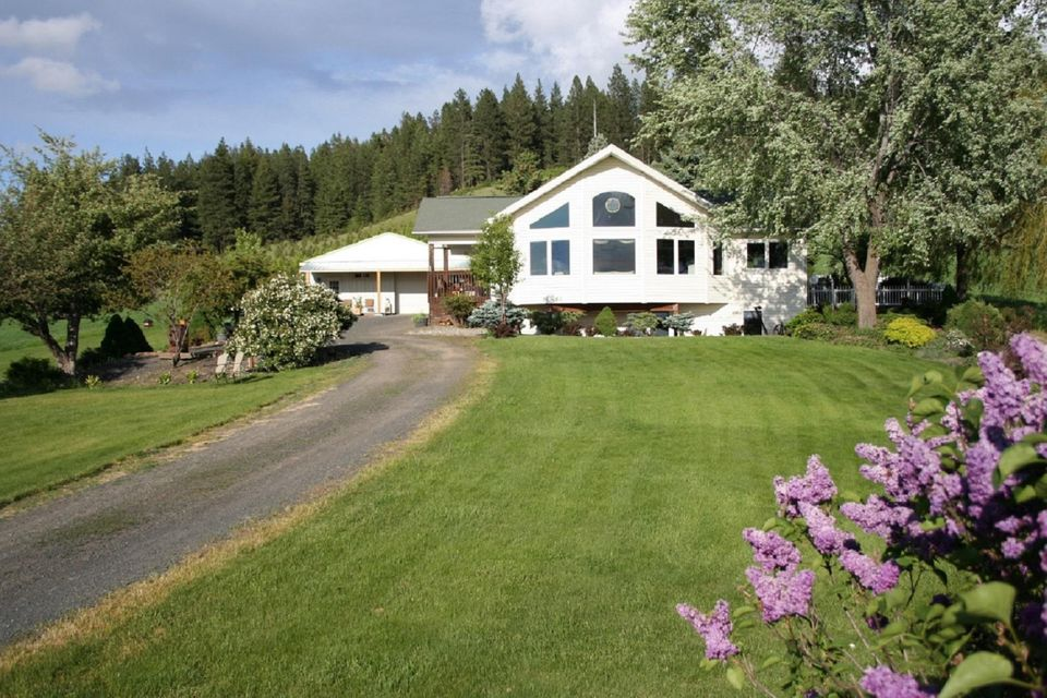 Single Family Home for Sale at 670 Baune Road 670 Baune Road St. Maries, Idaho 83861 United States