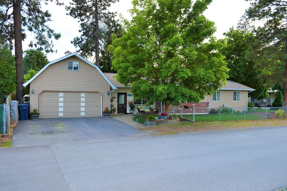 Single Family Home for Sale at 206 Wyoming Street 206 Wyoming Street Pinehurst, Idaho 83850 United States