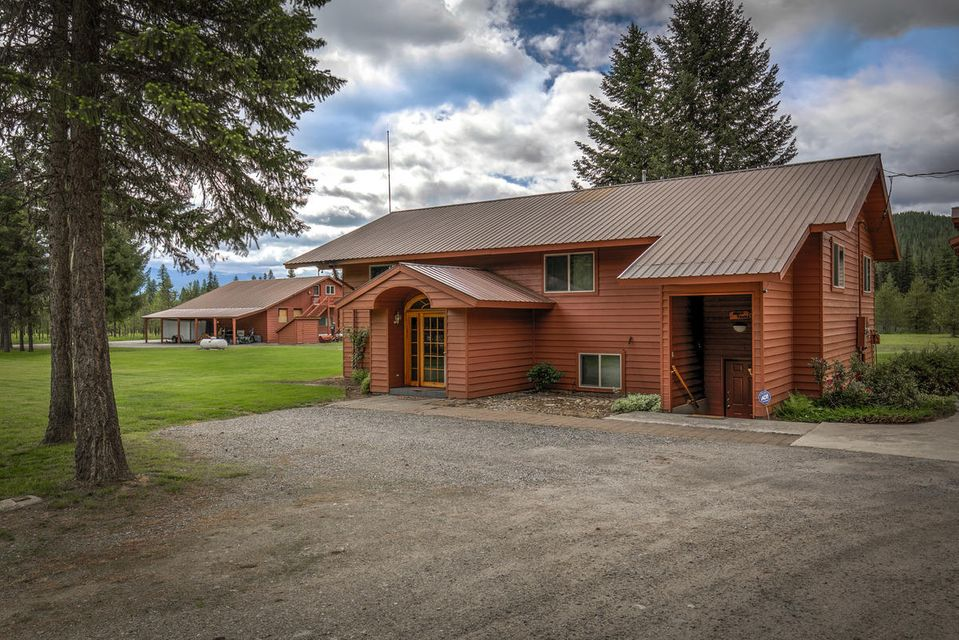 Single Family Home for Sale at 850 Reeder Bay Road 850 Reeder Bay Road Nordman, Idaho 83848 United States