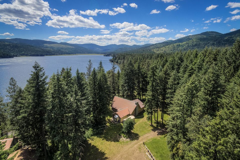 Single Family Home for Sale at 8072 W RADMER Road 8072 W RADMER Road Rathdrum, Idaho 83858 United States