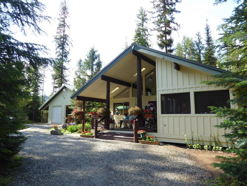 Single Family Home for Sale at 2158 Reeder Creek Road 2158 Reeder Creek Road Nordman, Idaho 83848 United States
