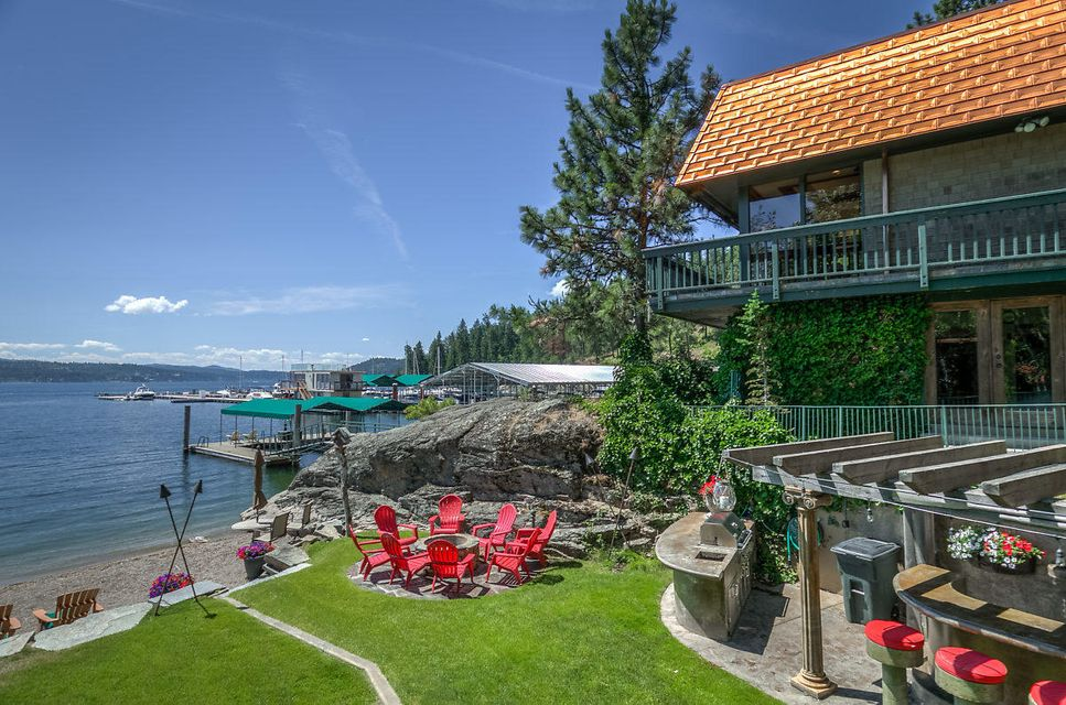 Single Family Home for Sale at 1102 E LAKESHORE Drive 1102 E LAKESHORE Drive Coeur D Alene, Idaho 83814 United States