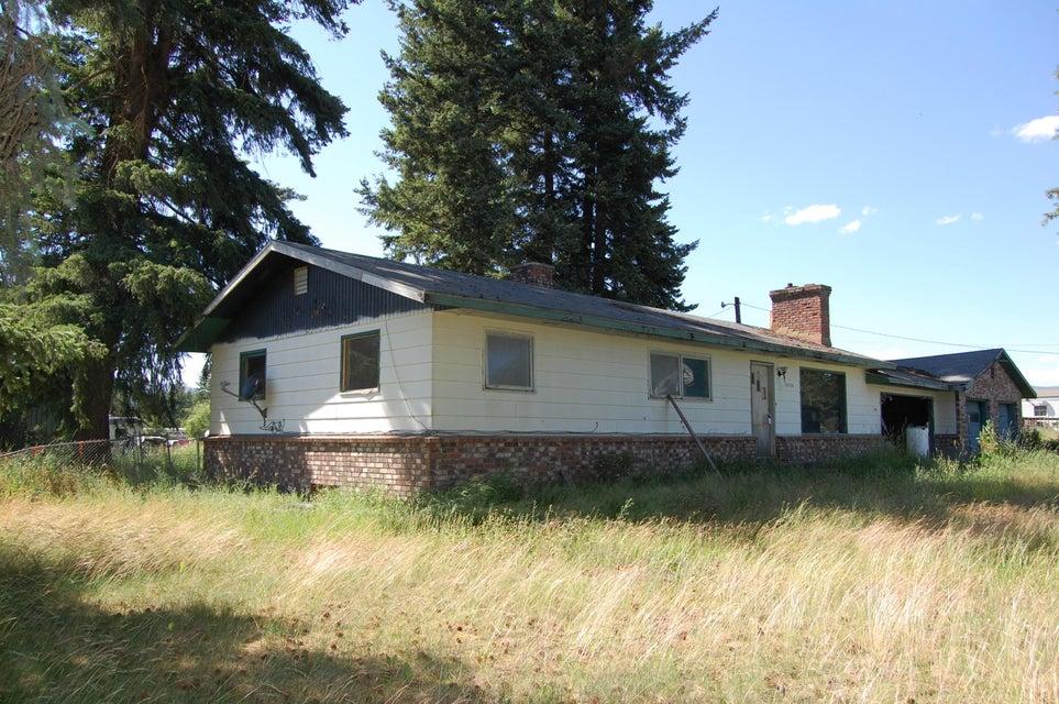 32729 N 3RD AVE, Spirit Lake, ID 83869