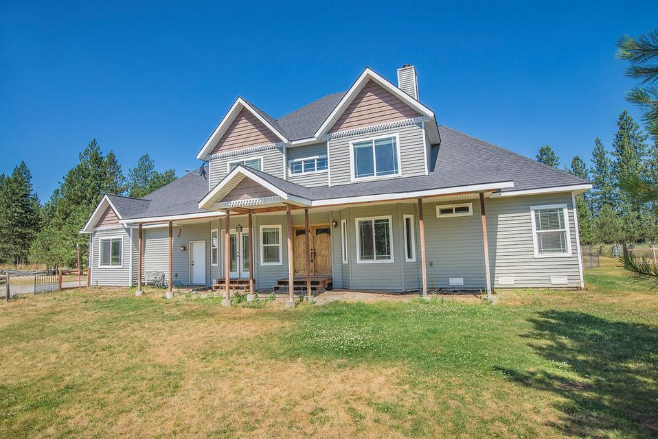 Single Family Home for Sale at 32421 N CLAGSTONE Road 32421 N CLAGSTONE Road Athol, Idaho 83801 United States