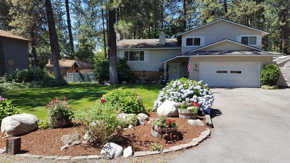 11847 N FOREST RD, Hayden, ID 83835