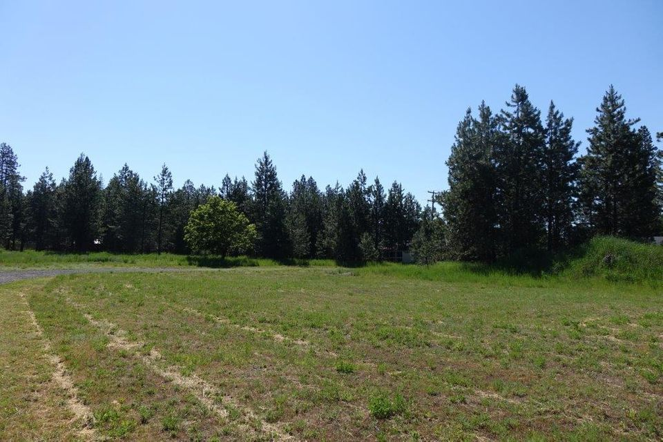 Additional photo for property listing at 1600 N 9TH Street 1600 N 9TH Street Coeur D Alene, Idaho 83814 United States
