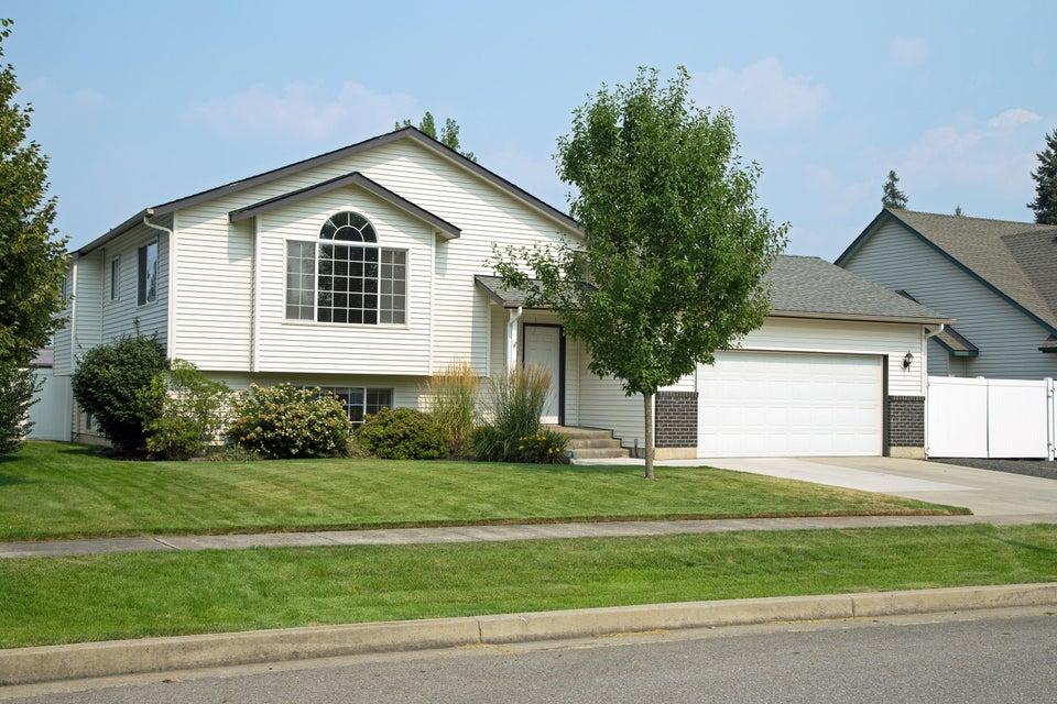 1203 W Edgewood Circle, Coeur d'Alene, ID 83815