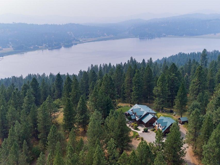 Single Family Home for Sale at 16133 W JULIA Drive 16133 W JULIA Drive Hauser, Idaho 83854 United States