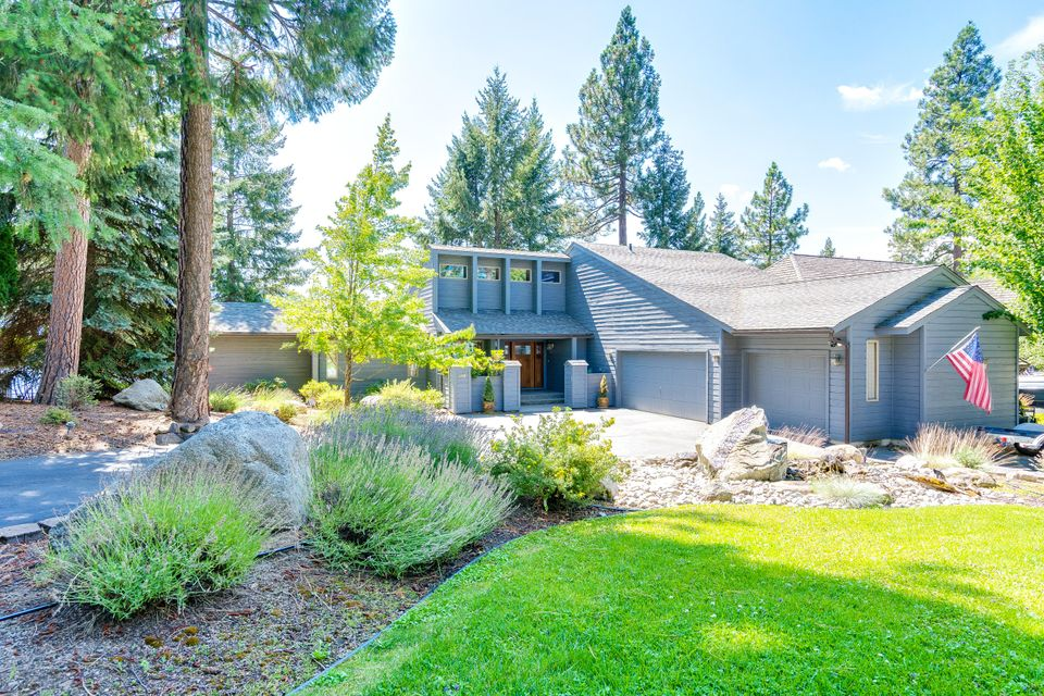 Single Family Home for Sale at 3148 E POINT HAYDEN Drive 3148 E POINT HAYDEN Drive Hayden Lake, Idaho 83835 United States