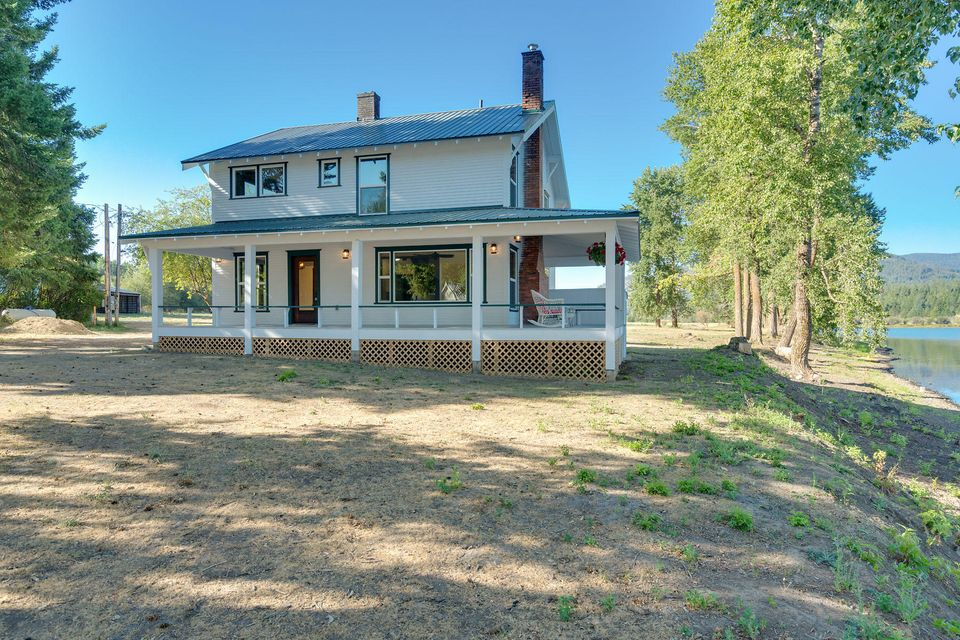 Single Family Home for Sale at 461422 Highway 95 461422 Highway 95 Cocolalla, Idaho 83813 United States